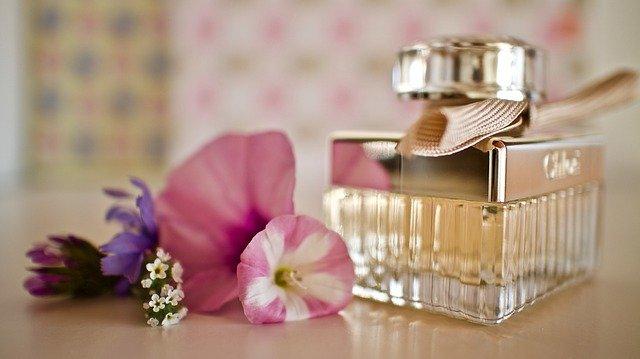 クロエの香水とお花