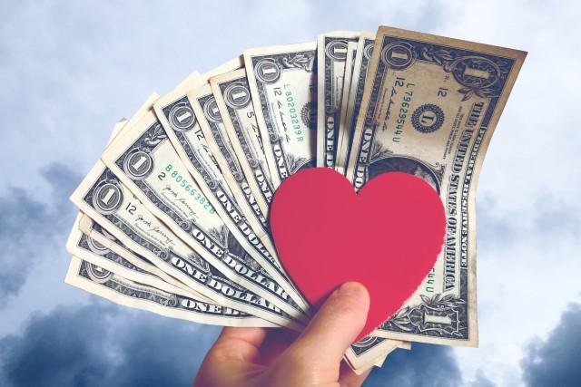 お金とハートマーク